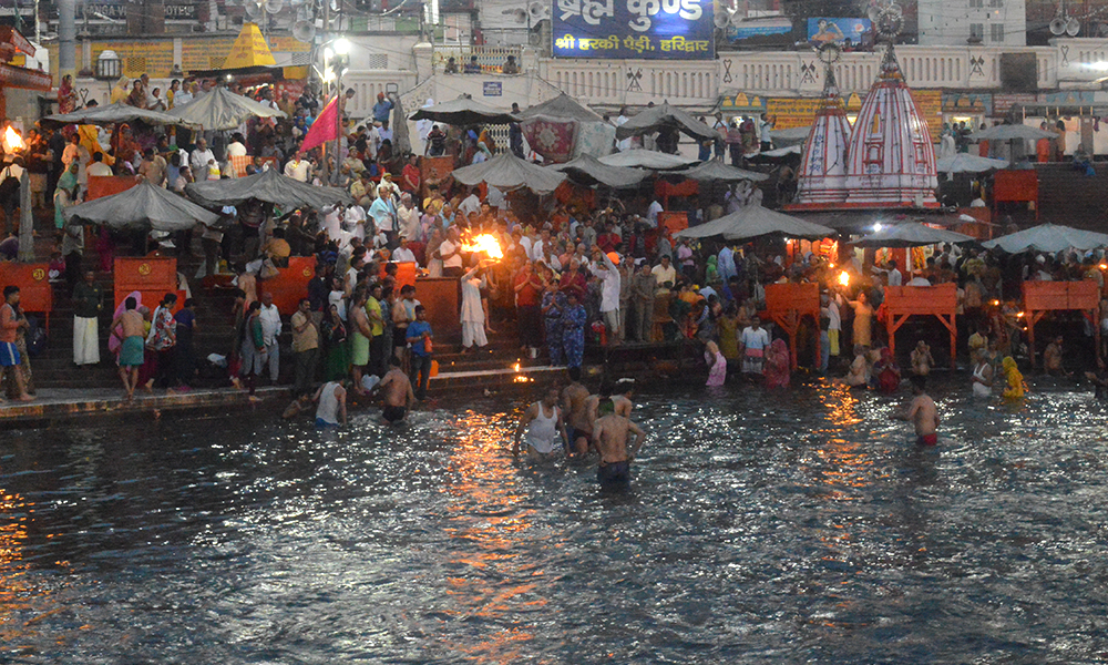 evening aarti at har ki pauri in haridwar